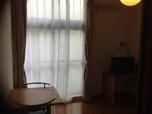 レオパレスゴールド 102号室のリビング