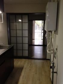コージーハウス真野 102号室の玄関