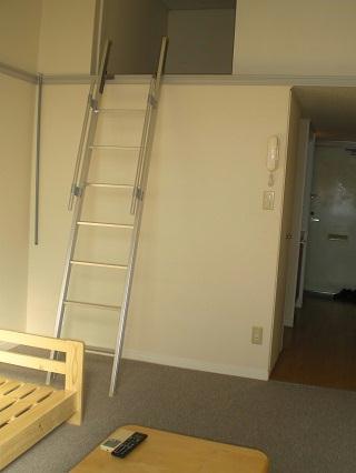 レオパレスGIOIA 201号室のリビング
