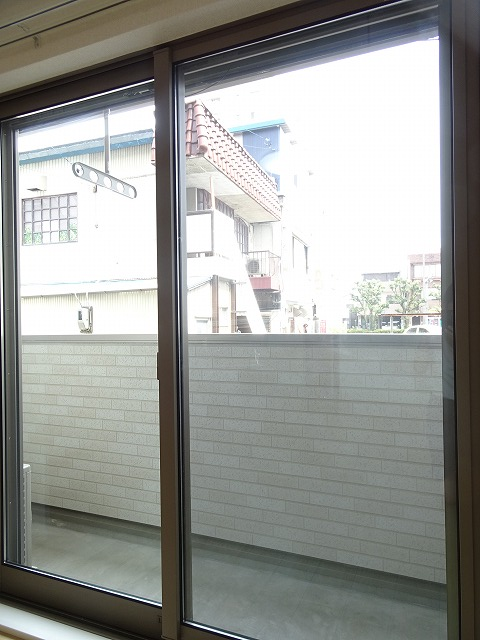 アザレアコート 01030号室のバルコニー