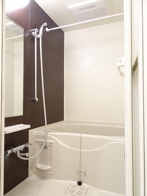 アザレアコート 01030号室の風呂