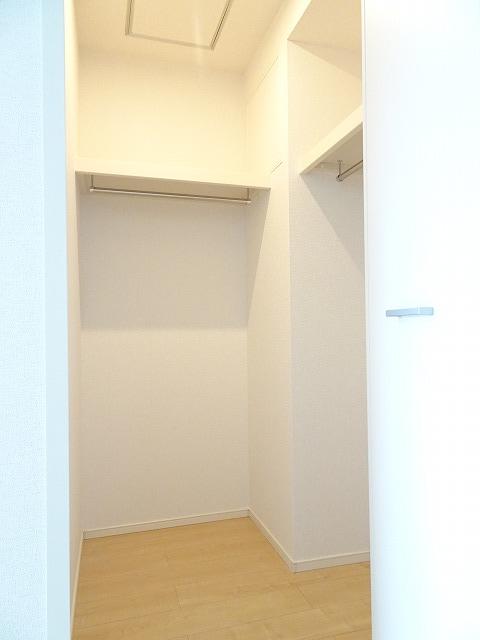 アザレアコート 01030号室の収納