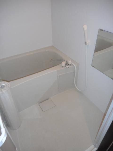 プチリヴェール昭和町 401号室の風呂