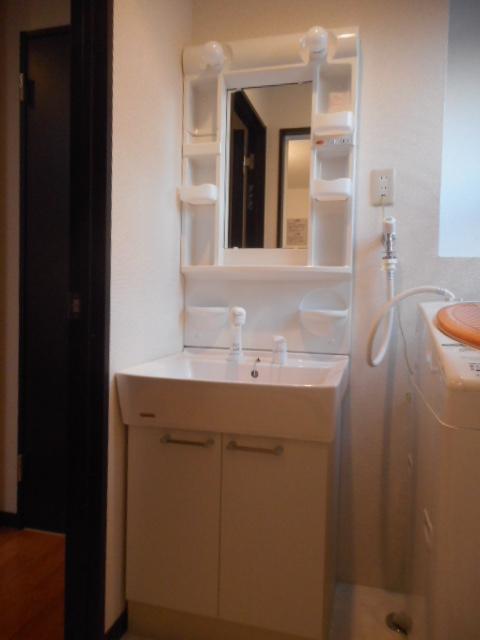 プチリヴェール昭和町 401号室の洗面所