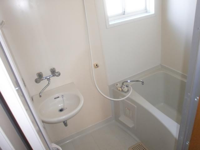 コウサンハイツ 203号室の風呂