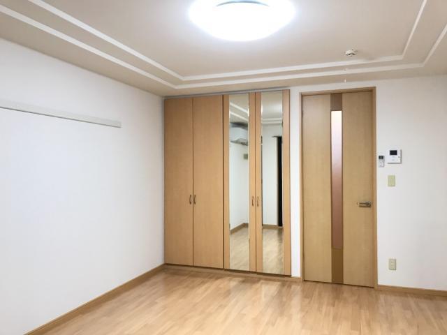 グランド ソレイユ 203号室の居室