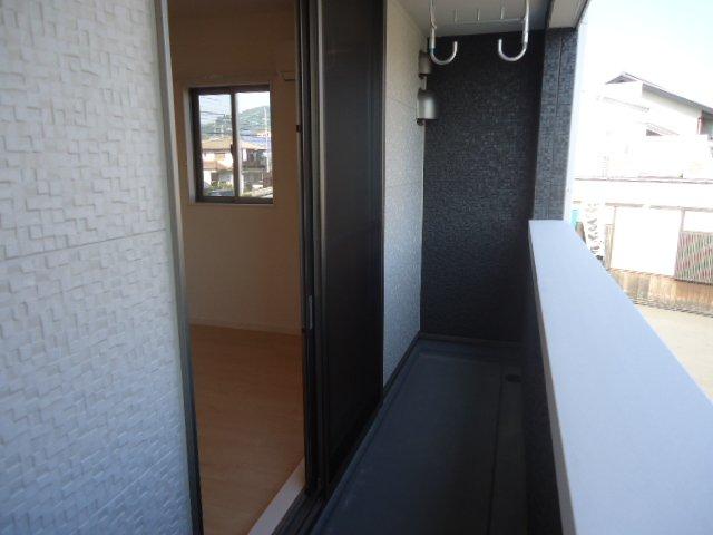メゾン・ド・新堀 201号室のバルコニー