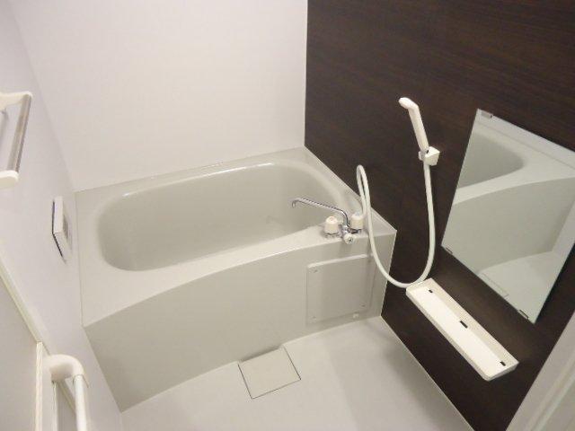メゾン・ド・新堀 201号室の風呂
