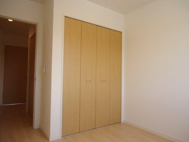 メゾン・ド・新堀 201号室の収納