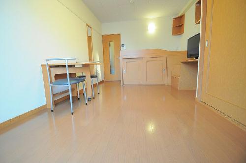 レオパレスひよし 103号室の居室