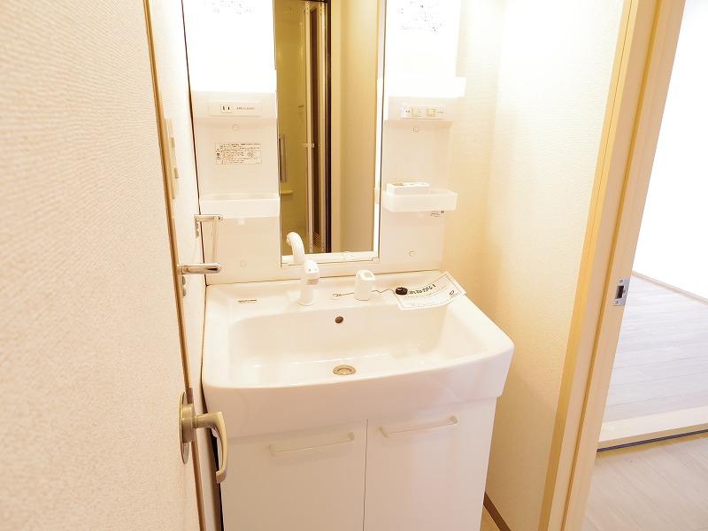 ニューシティ杉田NO2 02020号室の洗面所