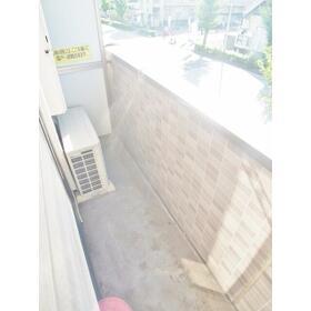 アトーレ芝塚原 206号室のバルコニー
