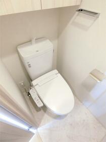 ディアレイシャス西川口 601号室のトイレ