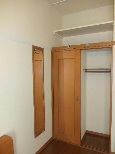 レオパレスKC 103号室の収納