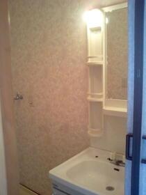 KハイツC 201号室の洗面所