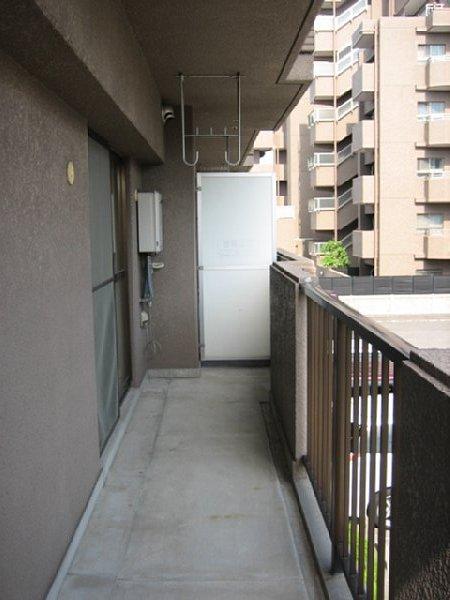 アビタシオン1棟 205号室のバルコニー