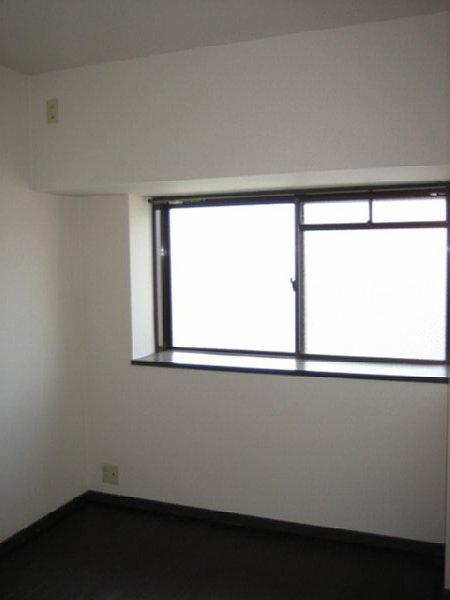 アビタシオン1棟 205号室のリビング
