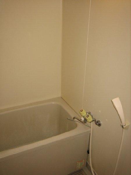 アビタシオン1棟 205号室の風呂