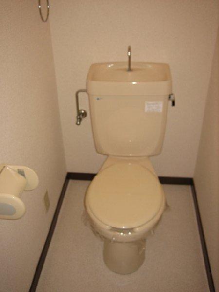 アビタシオン1棟 205号室のトイレ