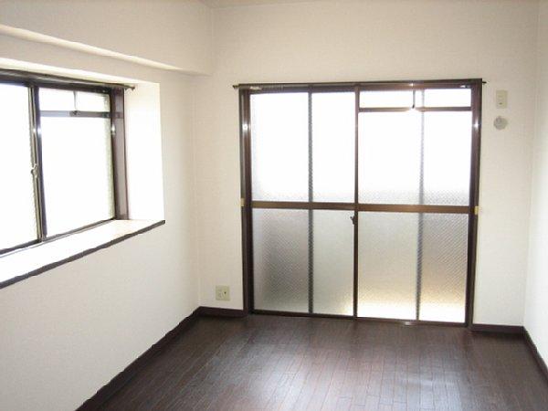 アビタシオン1棟 205号室のベッドルーム