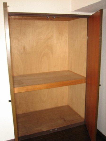 アビタシオン1棟 205号室の収納