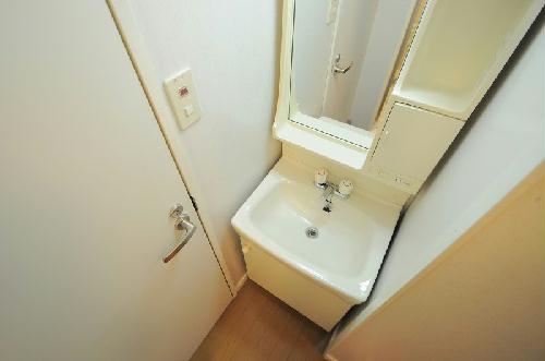 レオパレスFragrance 101号室の洗面所