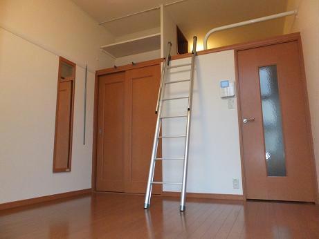 レオパレスエクセル 108号室の収納