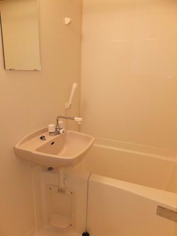 レオパレスエクセル 108号室の洗面所