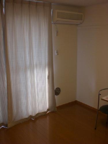レオパレス富士見Ⅱ 305号室のベッドルーム