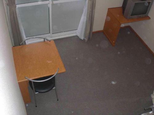 レオパレス小町A 105号室のリビング