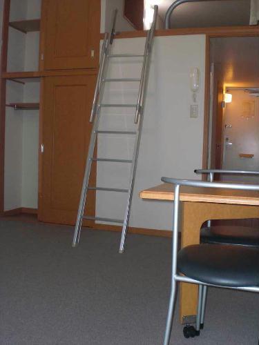 レオパレス小町A 301号室のリビング