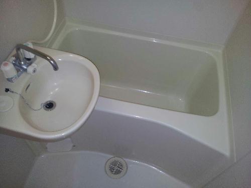レオパレス小町A 301号室の風呂
