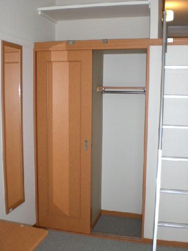 レオパレスプリムラ 203号室の収納