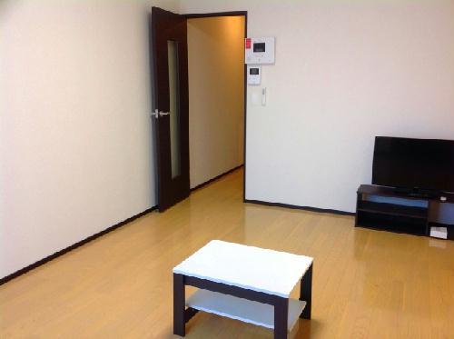 クレイノシエル ブルー 104号室のリビング