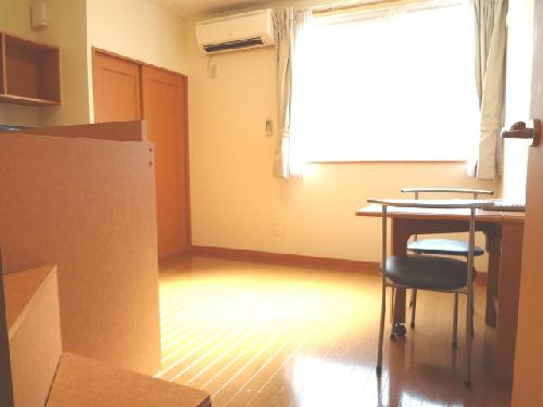 レオパレススターエンジェル 102号室のリビング