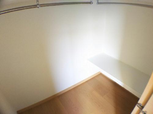 レオネクストスイートピー 110号室の収納
