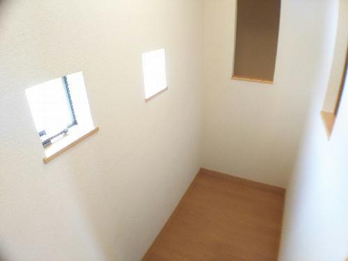 レオネクストスイートピー 206号室の収納