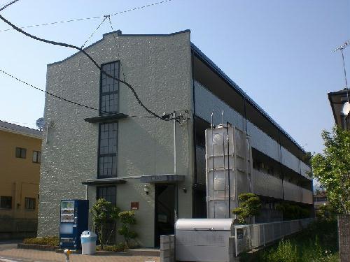 レオパレスカサベルデ 104号室の外観