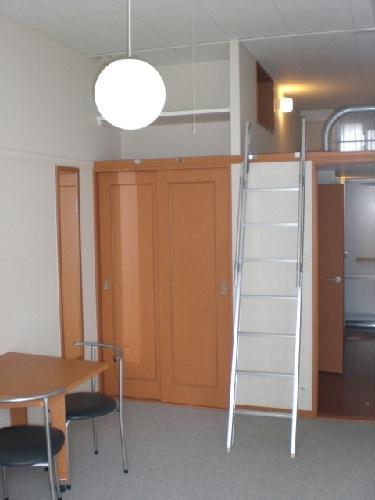 レオパレスソラーレ 207号室のリビング