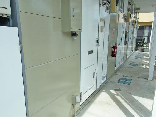 レオパレスセレーヌ 101号室のエントランス