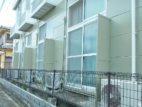 レオパレスセレーヌ 101号室のバルコニー