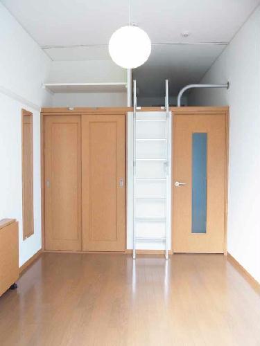 レオパレスセレーヌ 101号室のリビング
