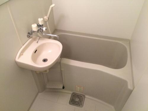 レオパレスサンセール 103号室の風呂