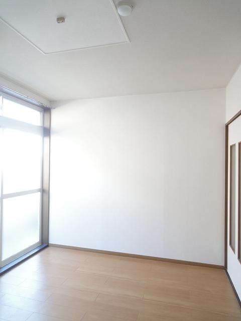アンプルール稲田 02030号室のリビング