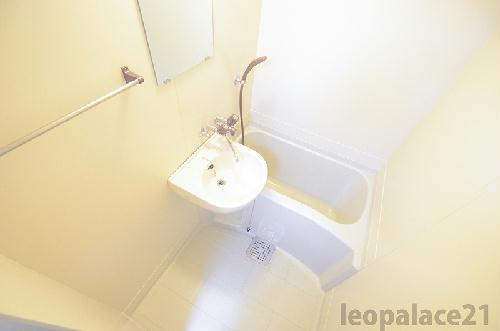レオパレス衣笠第1 102号室のトイレ