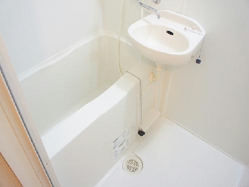 レオパレスマウンテン如意申 108号室の風呂