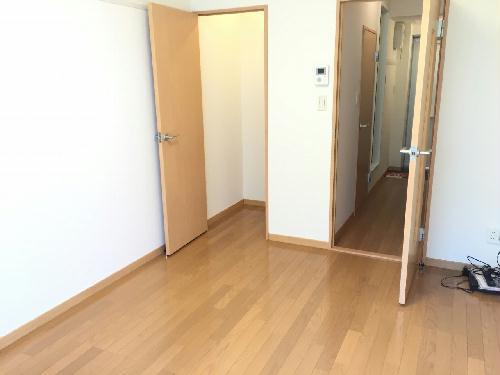 レオパレスグリーンビュー和田 105号室のリビング