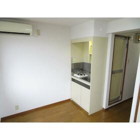 ニューオリエント小金井 0301号室のリビング