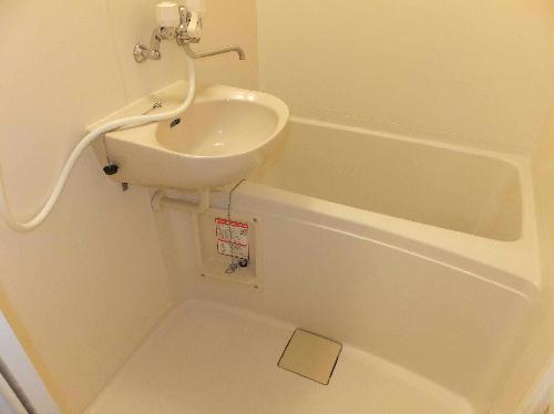 レオパレスエクレール 201号室の風呂