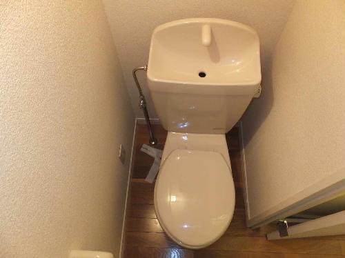 レオパレスエクレール 201号室のトイレ